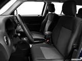 2014 Jeep Patriot Front seats from Drivers Side