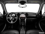 2014 MINI Countryman Dashboard, center console, gear shifter view photo