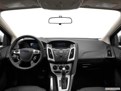 2013 Ford Focus 4-door SE  Hatchback Dashboard, center console, gear shifter view photo