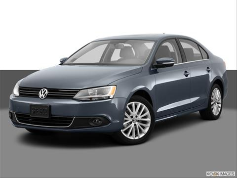 2013 Volkswagen Jetta 4-door 2.0L  Sedan Front angle medium view photo