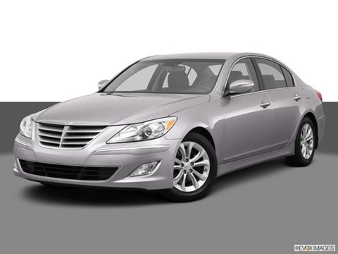 2013 Hyundai Genesis 4-door 3.8  Sedan Front angle medium view photo