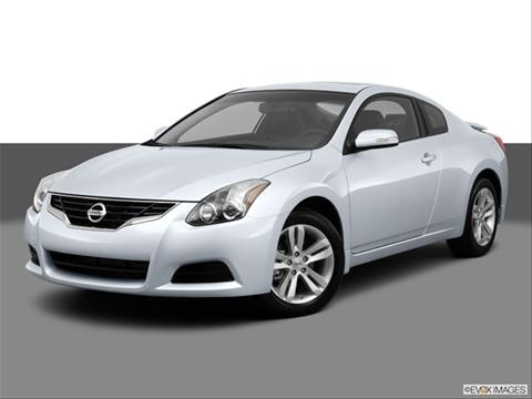 2013 Nissan Altima 2-door 2.5 S  Coupe Front angle medium view photo