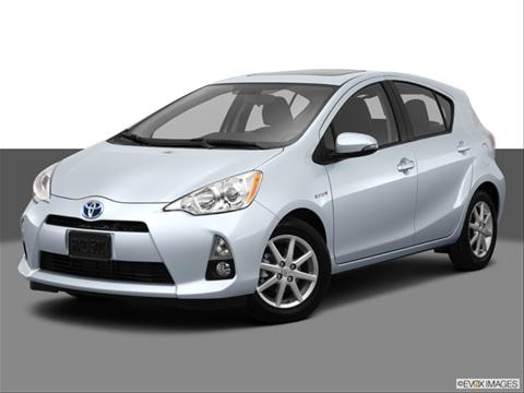 2013 Toyota Prius c 4-door Two  Hatchback Front angle medium view photo