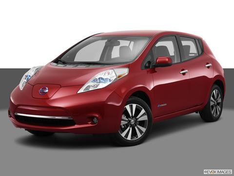 2013 Nissan LEAF 4-door S  Hatchback Front angle medium view photo