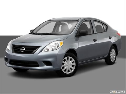 2014 Nissan Versa 4-door S  Sedan Front angle medium view photo