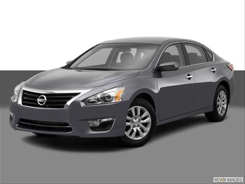 2014 Nissan Altima 4-door 2.5  Sedan Front angle medium view photo