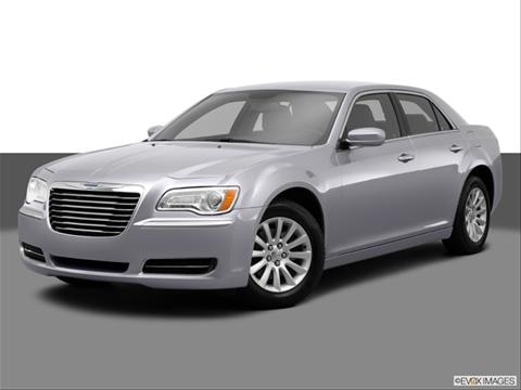 2014 Chrysler 300 4-door 300  Sedan Front angle medium view photo