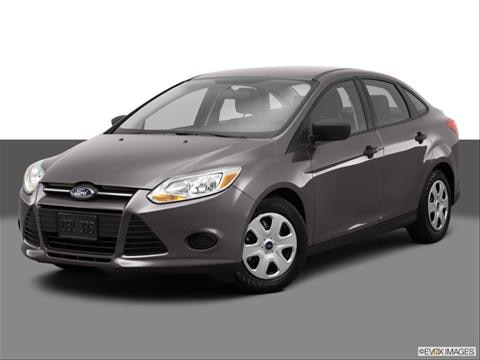 2014 Ford Focus 4-door S  Sedan Front angle medium view photo