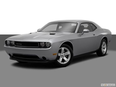 2014 Dodge Challenger 2-door SXT  Coupe Front angle medium view photo