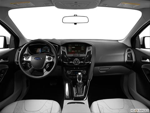 2014 Ford Focus 4-door Electric  Hatchback Dashboard, center console, gear shifter view photo