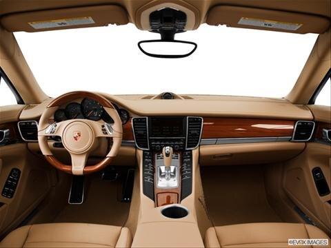 2014 Porsche Panamera 4-door   Sedan Dashboard, center console, gear shifter view photo