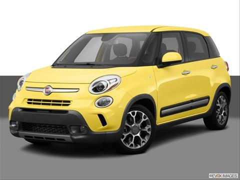 2014 FIAT 500L 4-door Trekking  Hatchback Front angle medium view photo