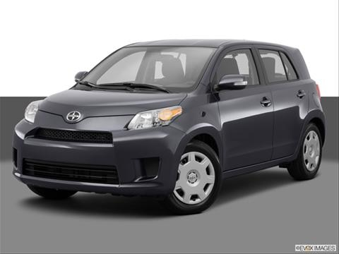 2014 Scion xD 4-door   Hatchback Front angle medium view photo