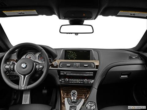 2014 BMW M6 2-door   Coupe Dashboard, center console, gear shifter view photo