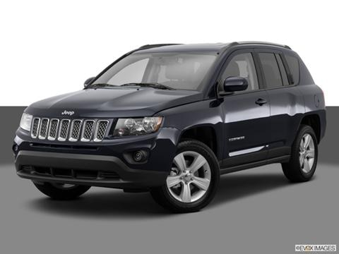 2014 Jeep Compass 4-door Latitude  Sport Utility Front angle medium view photo