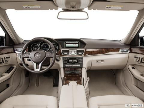 2014 Mercedes-Benz E-Class 4-door E350  Sedan Dashboard, center console, gear shifter view photo
