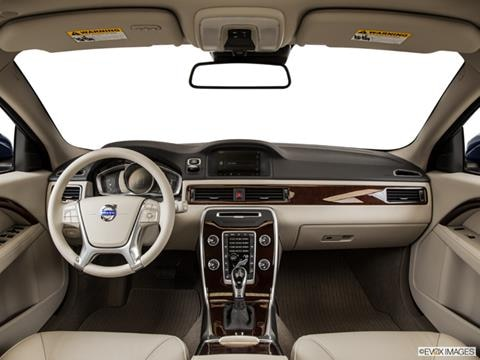 2015 Volvo XC70 4-door T5  Wagon Dashboard, center console, gear shifter view photo