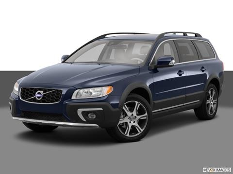2015 Volvo XC70 4-door T5  Wagon Front angle medium view photo