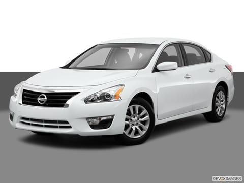2015 Nissan Altima 4-door 2.5  Sedan Front angle medium view photo