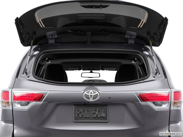 Does the rear window open on the xle toyota nation for Back door with window that opens