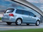 2011 Volkswagen Routan photo