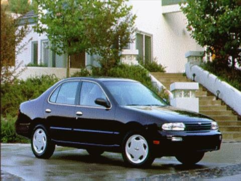1994 Nissan Altima XE Sedan 4D  photo
