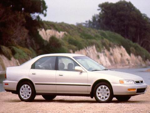 1995 Honda Accord LX Sedan 4D  photo