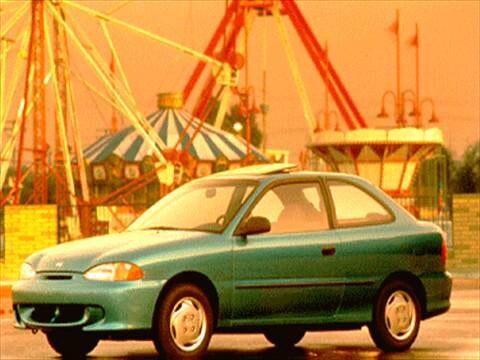 1995 Hyundai Accent L Hatchback 2D  photo