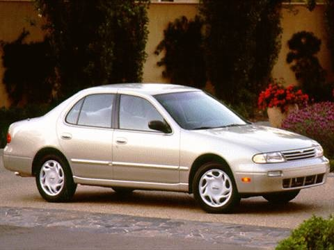 1996 Nissan Altima XE Sedan 4D  photo