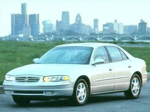 2000 Buick Regal LS Sedan 4D  photo