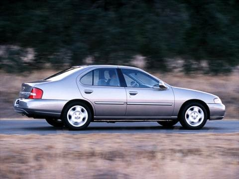 2001 Nissan Altima XE Sedan 4D  photo