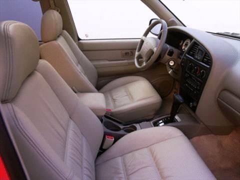 2001 Nissan Pathfinder XE Sport Utility 4D  photo