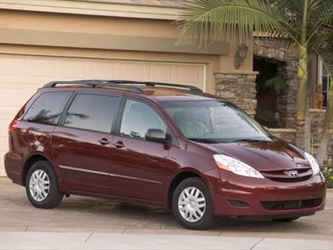 2008 Toyota Sienna CE Minivan 4D  photo