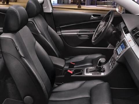 2010 Volkswagen Passat Komfort Sedan 4D  photo