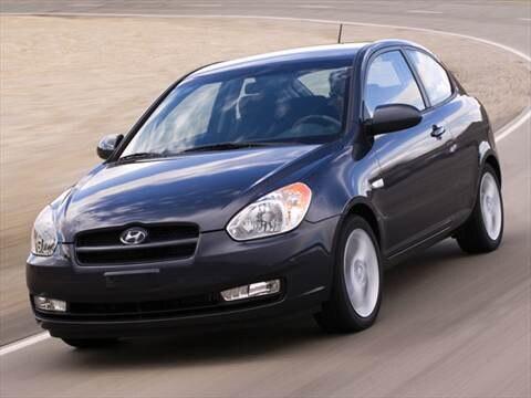 2011 Hyundai Accent SE Hatchback 2D  photo