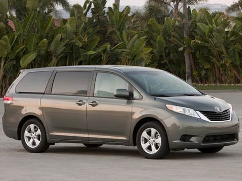 2013 Toyota Sienna LE Minivan 4D  photo